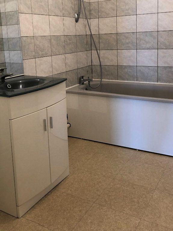 Appartement à louer 3 80m2 à Orléans vignette-8