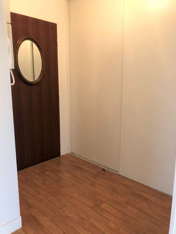 Appartement à louer 3 80m2 à Orléans vignette-9
