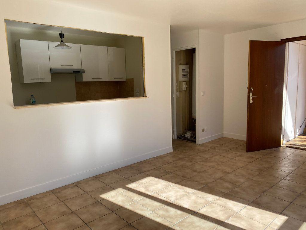 Appartement à louer 3 50m2 à Châteauneuf-sur-Loire vignette-3