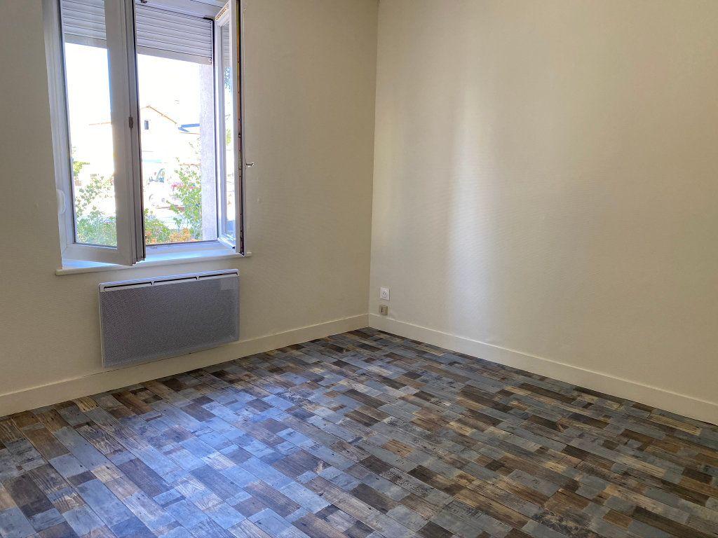 Appartement à louer 3 50m2 à Châteauneuf-sur-Loire vignette-6