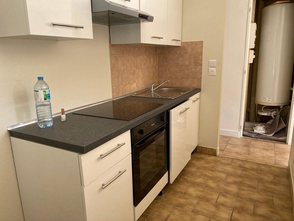 Appartement à louer 3 50m2 à Châteauneuf-sur-Loire vignette-7