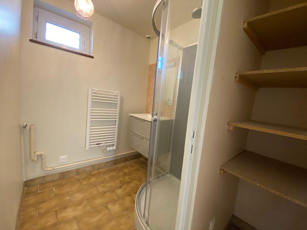 Appartement à louer 3 50m2 à Châteauneuf-sur-Loire vignette-9