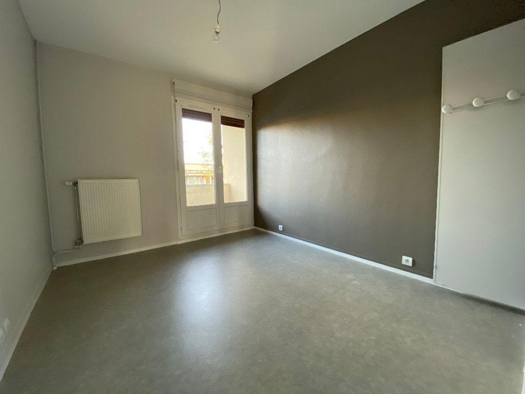 Appartement à vendre 3 55.21m2 à Orléans vignette-3