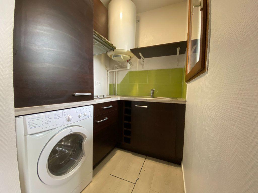 Appartement à louer 2 29.85m2 à Orléans vignette-2