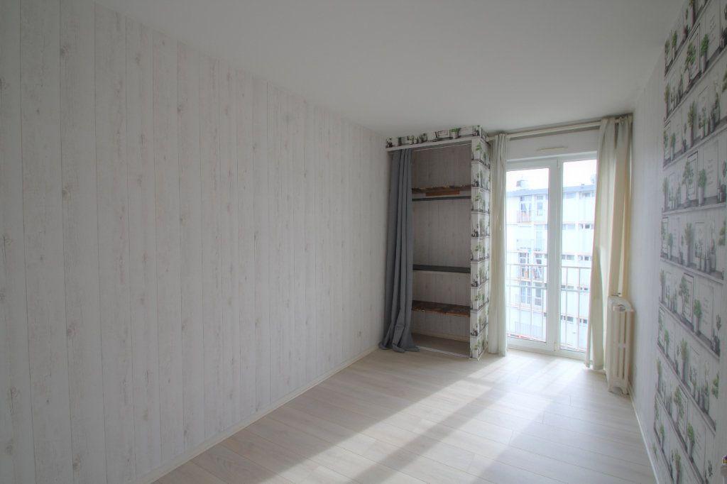 Appartement à vendre 3 57m2 à Saint-Jean-de-la-Ruelle vignette-5