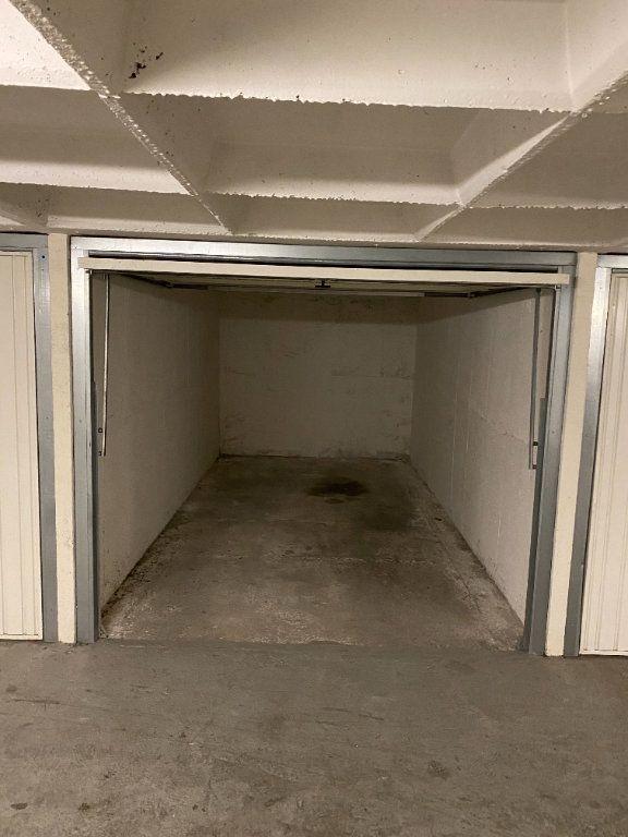 Stationnement à louer 0 15m2 à Orléans vignette-2