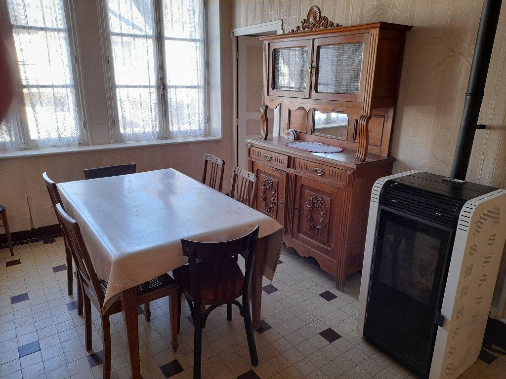 Maison à vendre 4 95m2 à Romilly-sur-Aigre vignette-2