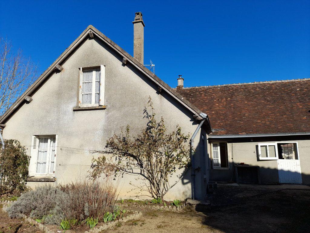 Maison à vendre 4 95m2 à Romilly-sur-Aigre vignette-5