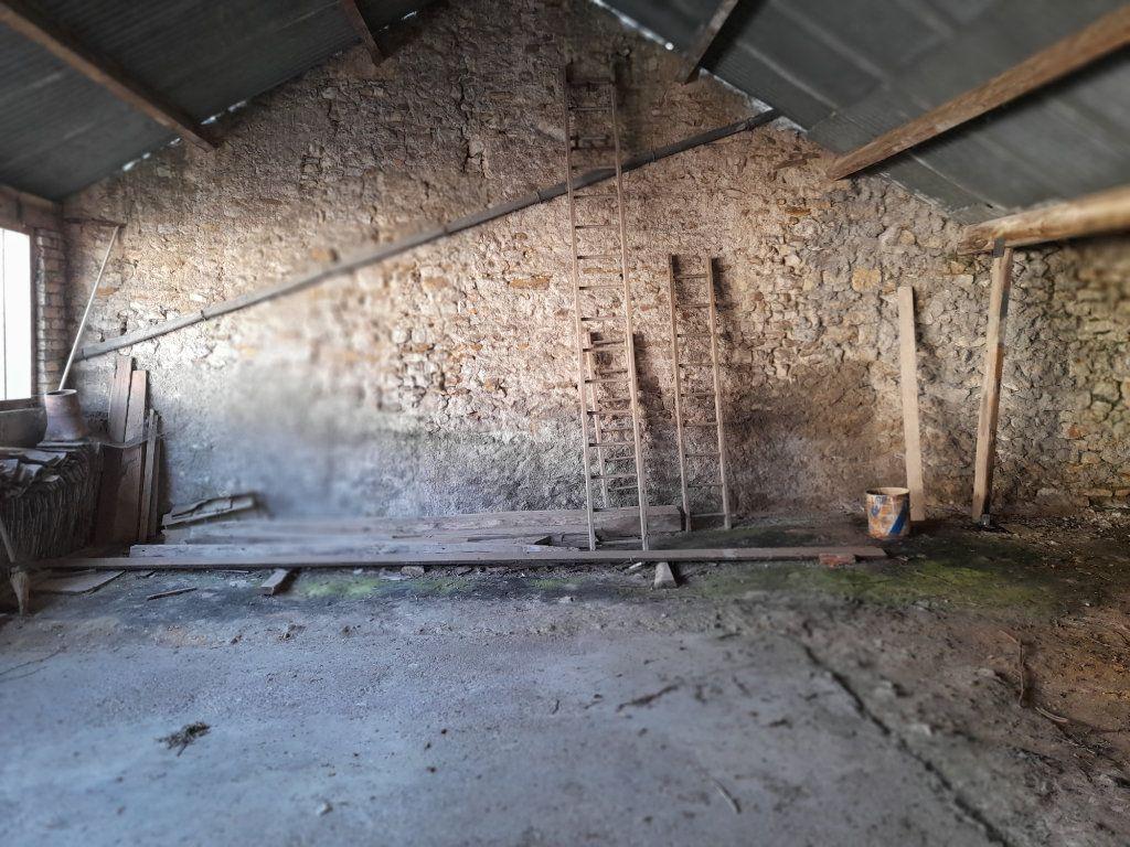 Maison à vendre 4 95m2 à Romilly-sur-Aigre vignette-8