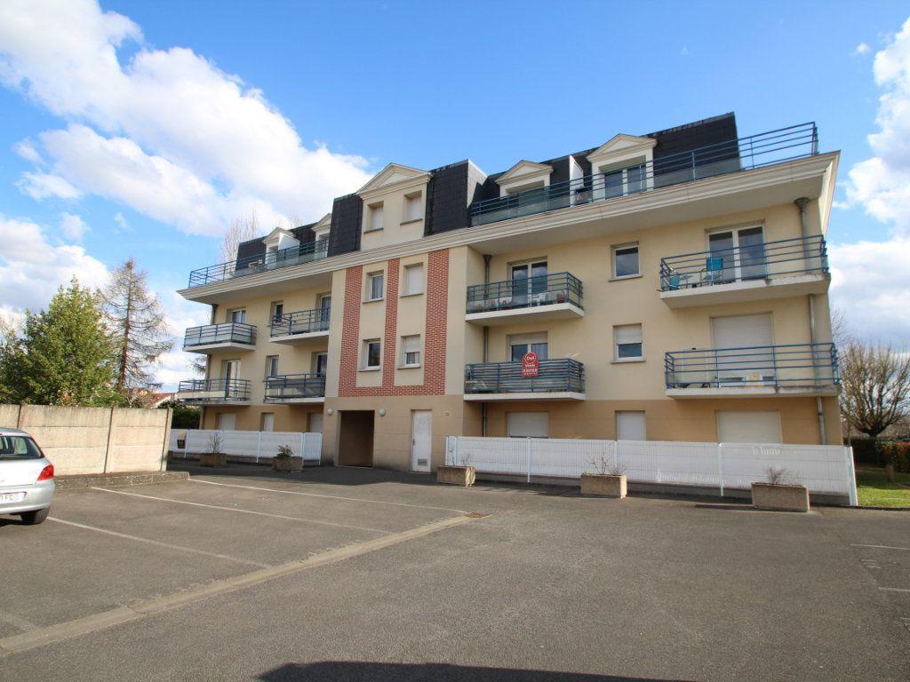 Appartement à vendre 2 42m2 à Fleury-les-Aubrais vignette-1