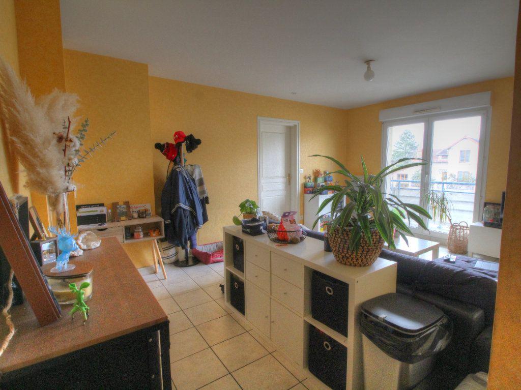 Appartement à vendre 2 42m2 à Fleury-les-Aubrais vignette-3