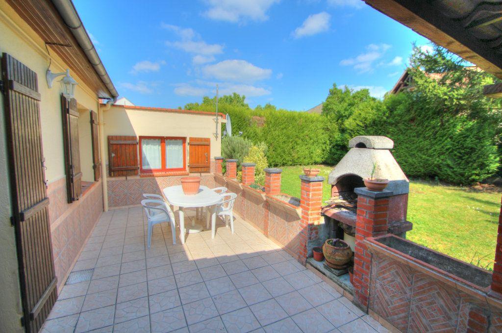 Maison à vendre 6 120m2 à Saint-Jean-de-la-Ruelle vignette-1