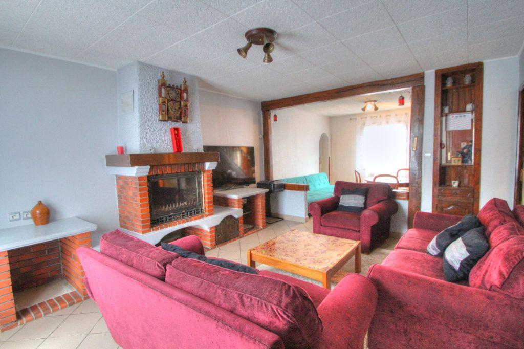 Maison à vendre 6 120m2 à Saint-Jean-de-la-Ruelle vignette-2
