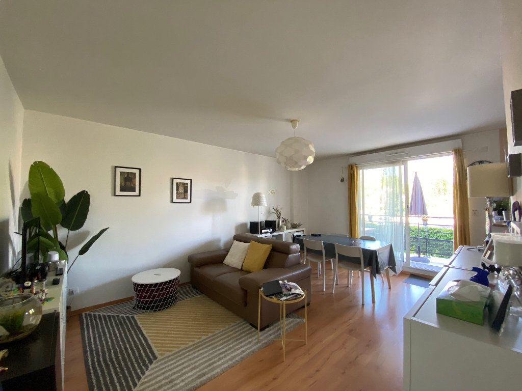 Appartement à louer 3 58.5m2 à Orléans vignette-1