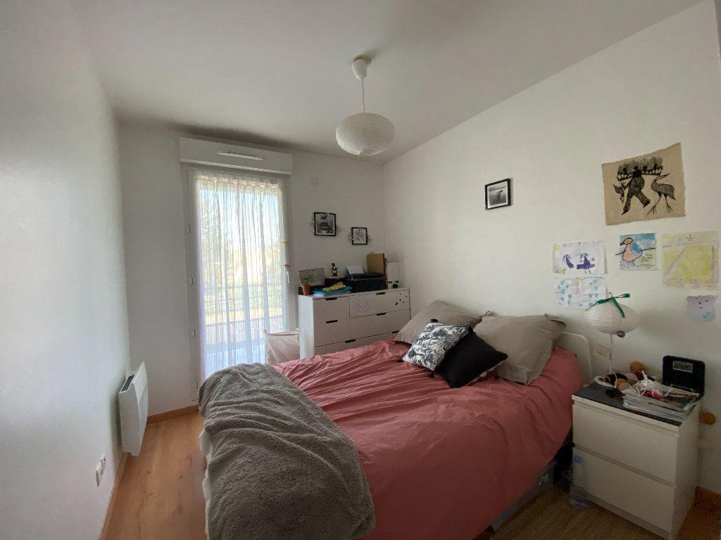 Appartement à louer 3 58.5m2 à Orléans vignette-3