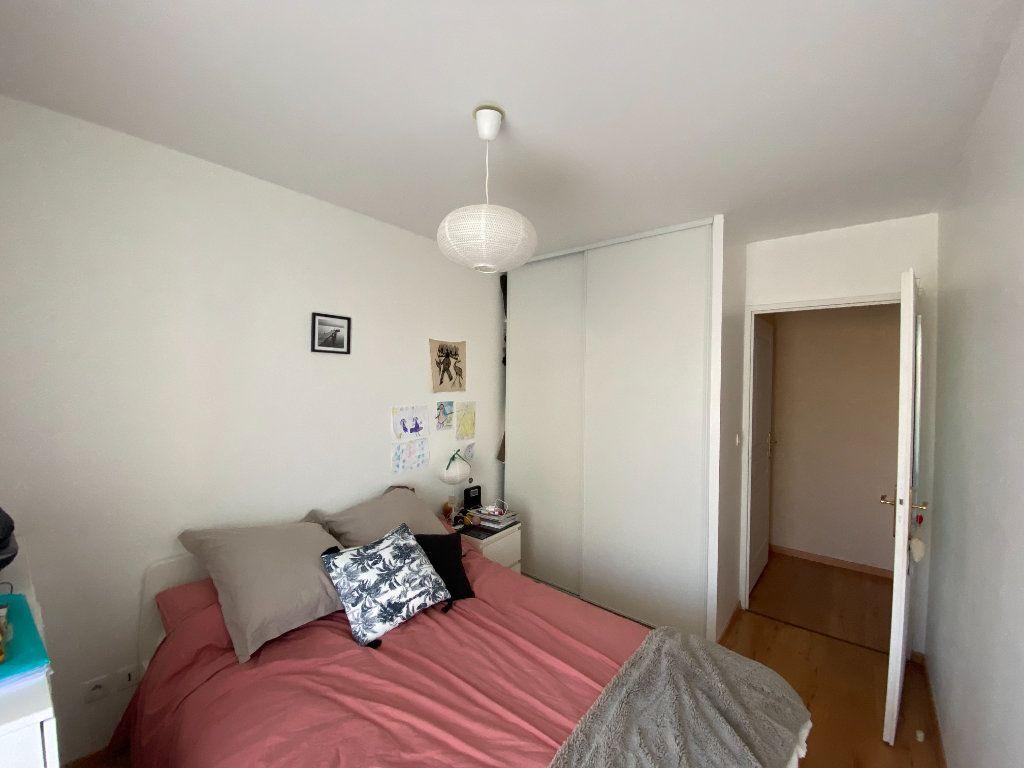Appartement à louer 3 58.5m2 à Orléans vignette-4