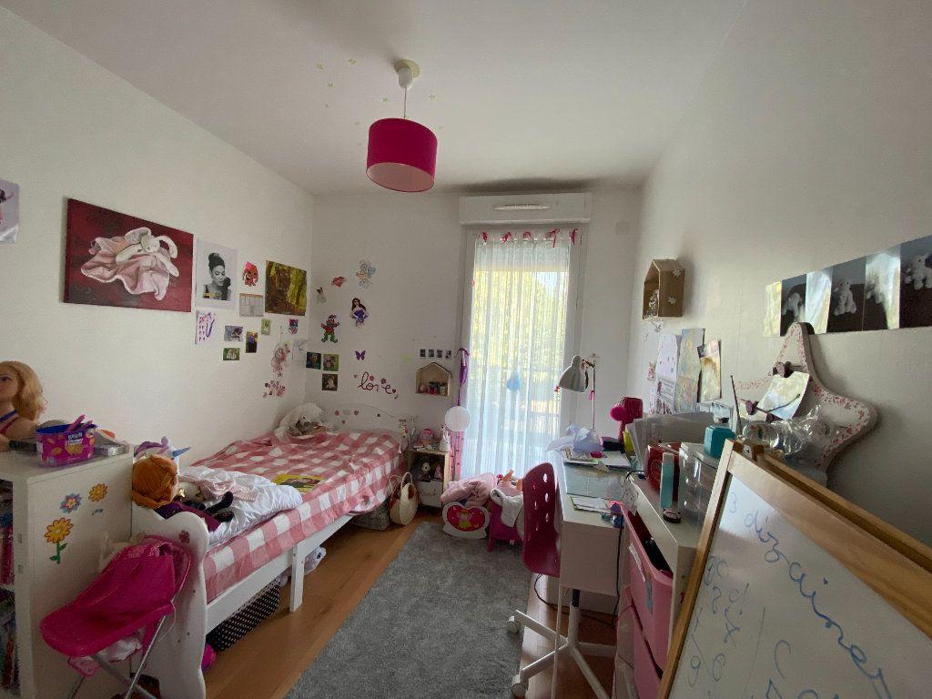 Appartement à louer 3 58.5m2 à Orléans vignette-5