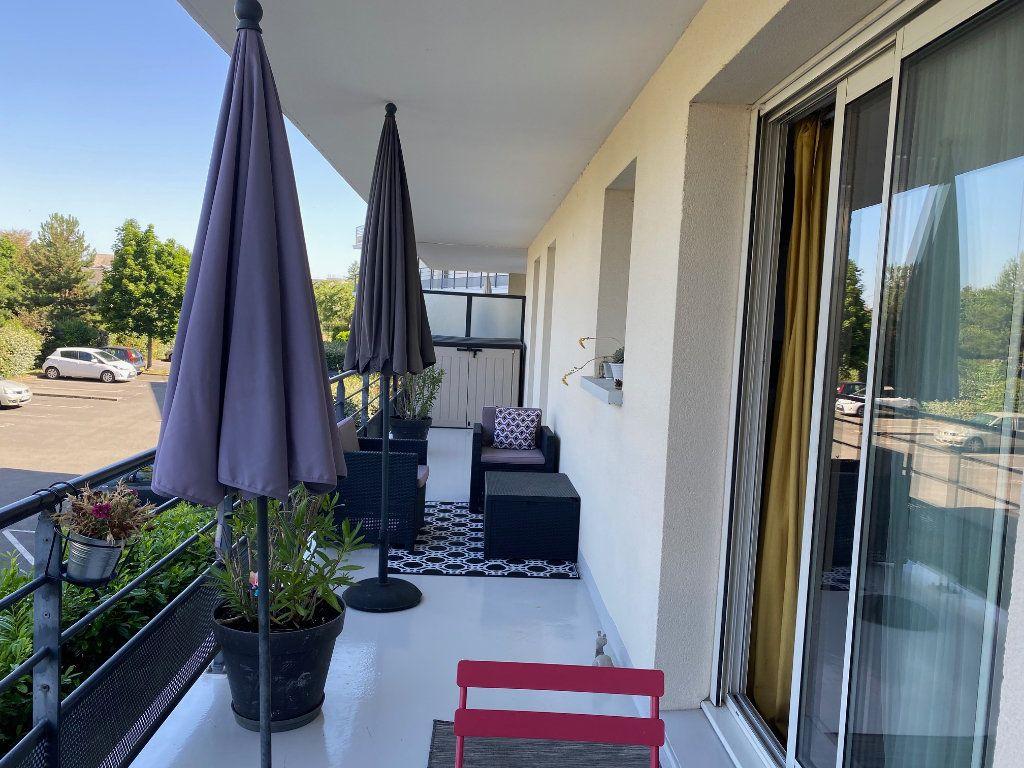 Appartement à louer 3 58.5m2 à Orléans vignette-7