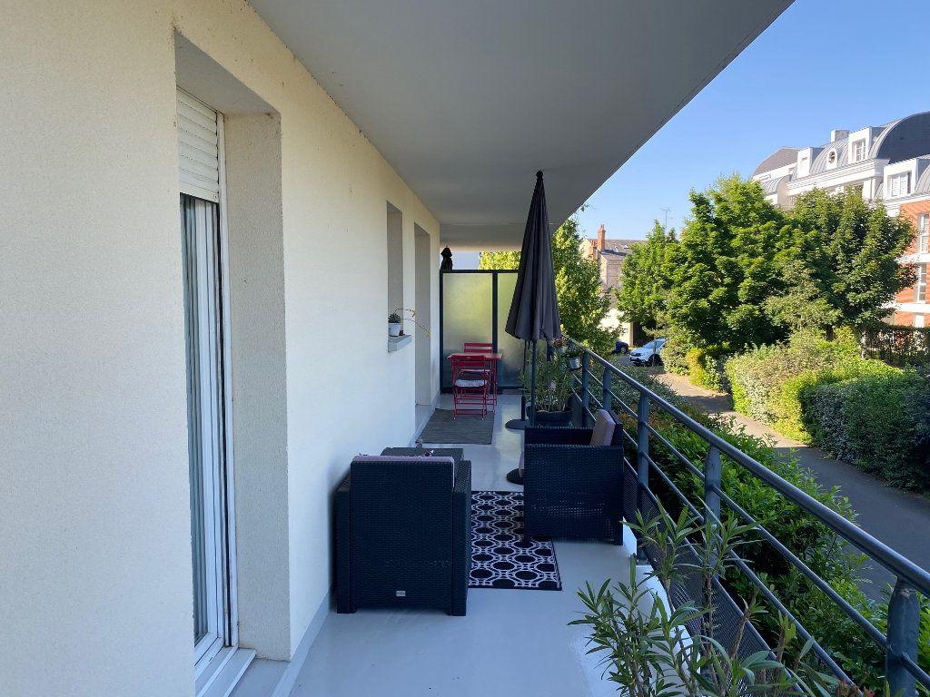 Appartement à louer 3 58.5m2 à Orléans vignette-8