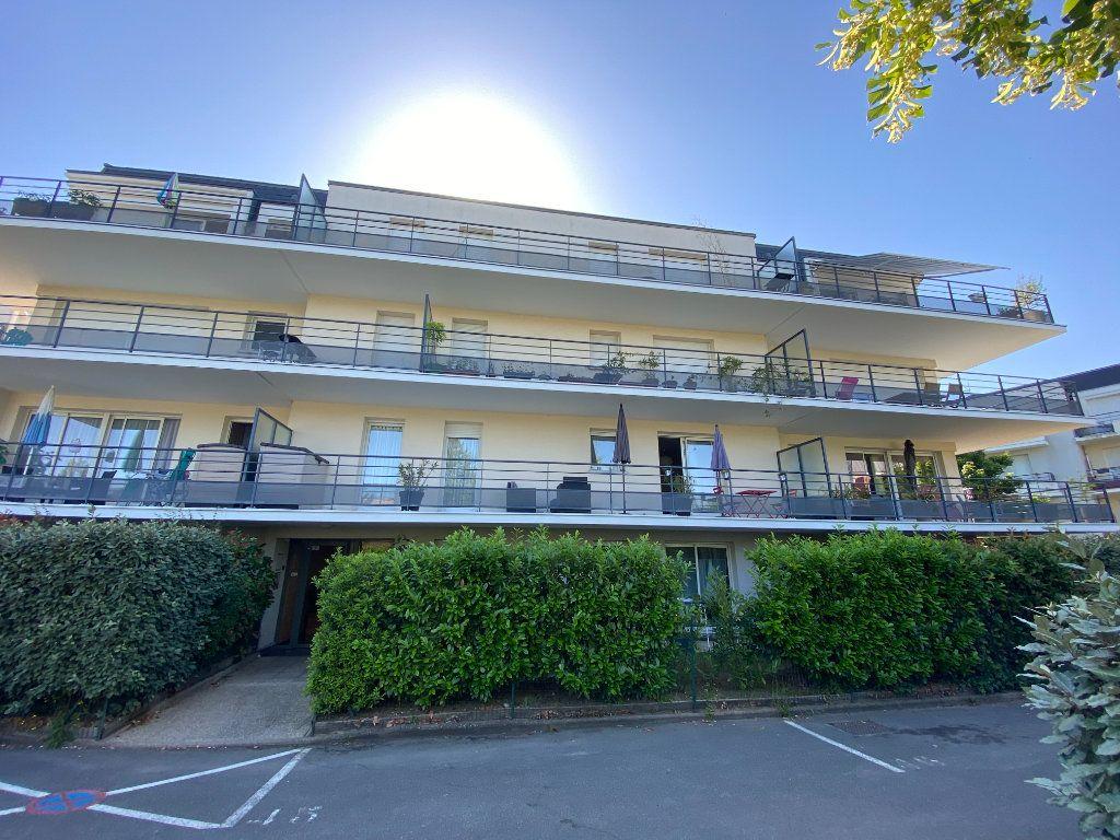 Appartement à louer 3 58.5m2 à Orléans vignette-9