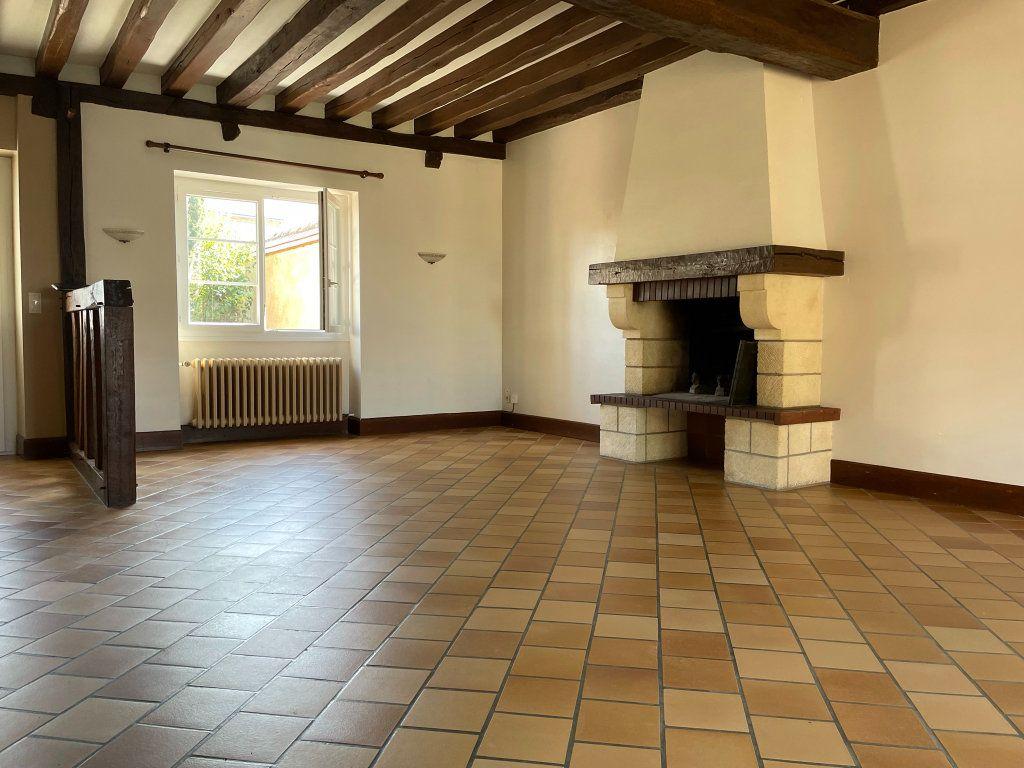 Maison à louer 4 115m2 à Saint-Hilaire-Saint-Mesmin vignette-4