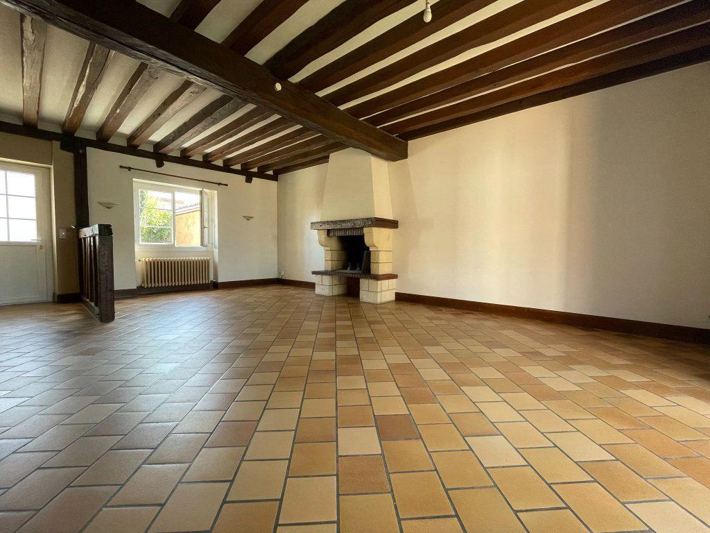 Maison à louer 4 115m2 à Saint-Hilaire-Saint-Mesmin vignette-5