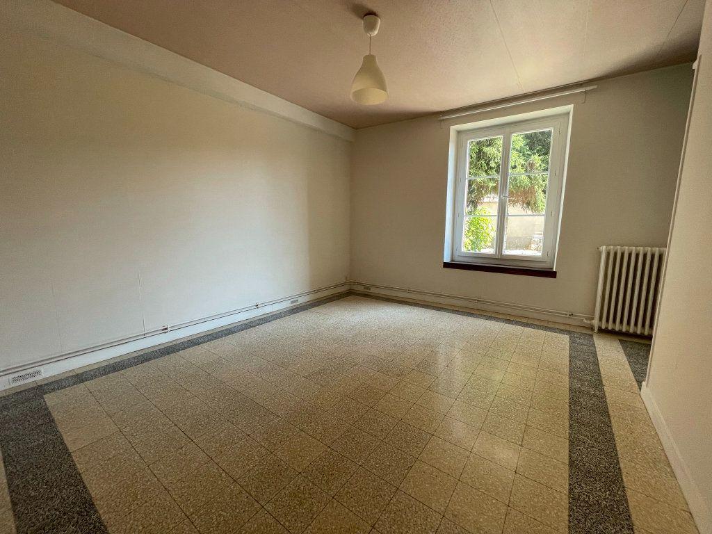 Maison à louer 4 115m2 à Saint-Hilaire-Saint-Mesmin vignette-7