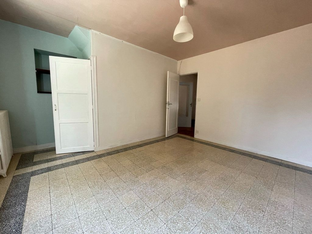 Maison à louer 4 115m2 à Saint-Hilaire-Saint-Mesmin vignette-8