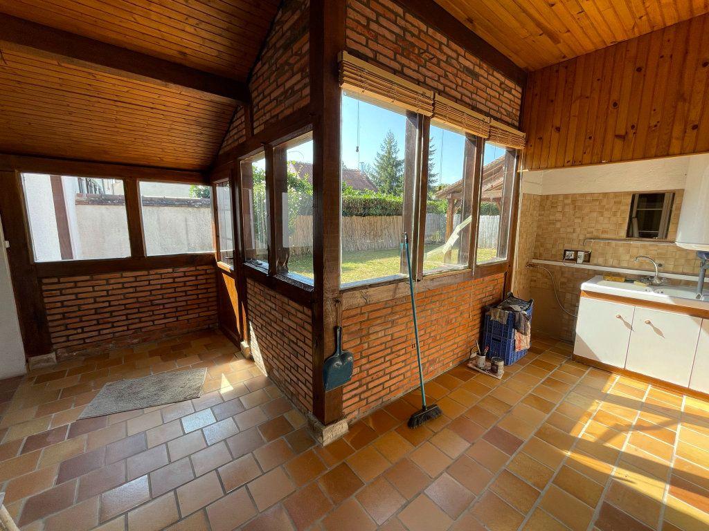Maison à louer 4 115m2 à Saint-Hilaire-Saint-Mesmin vignette-10