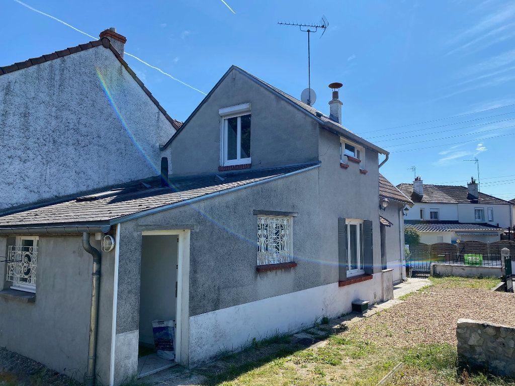 Maison à louer 3 68.78m2 à Saint-Jean-de-la-Ruelle vignette-2