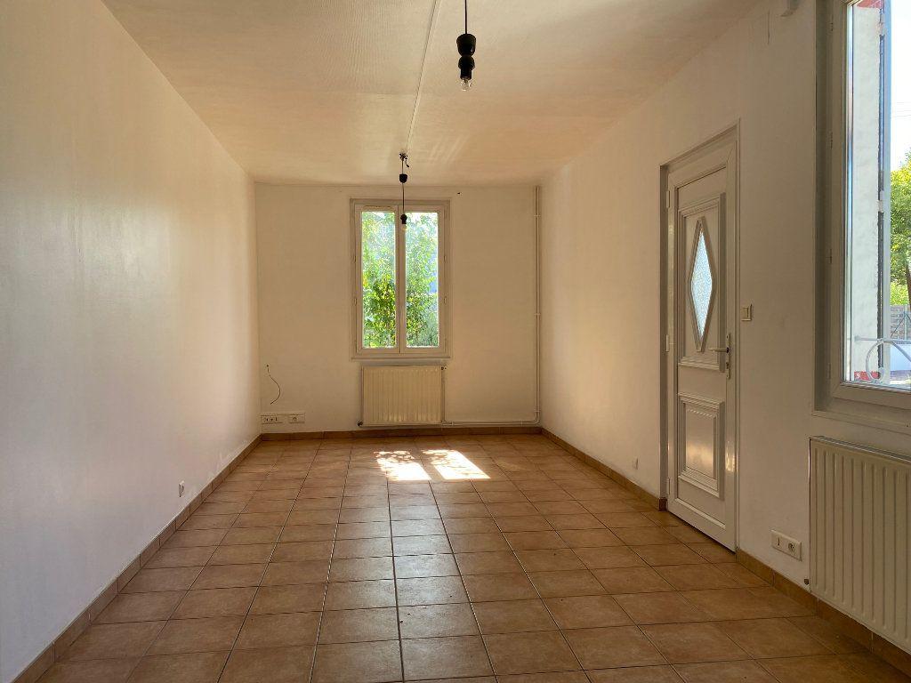 Maison à louer 3 68.78m2 à Saint-Jean-de-la-Ruelle vignette-3