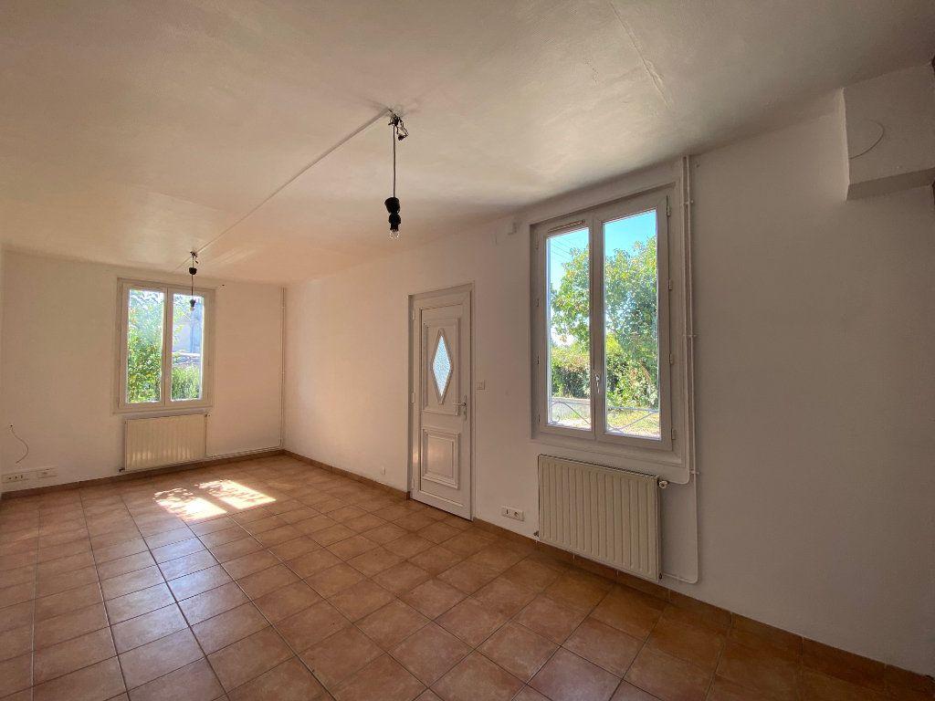 Maison à louer 3 68.78m2 à Saint-Jean-de-la-Ruelle vignette-4