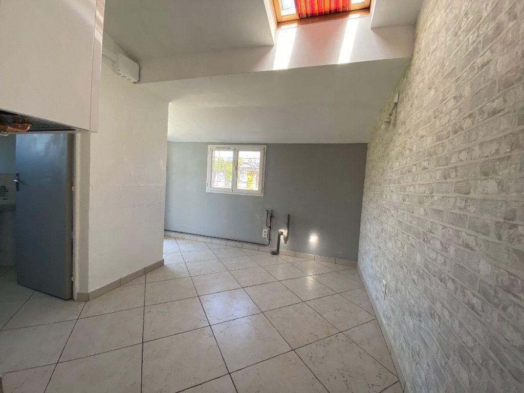 Maison à louer 3 68.78m2 à Saint-Jean-de-la-Ruelle vignette-7