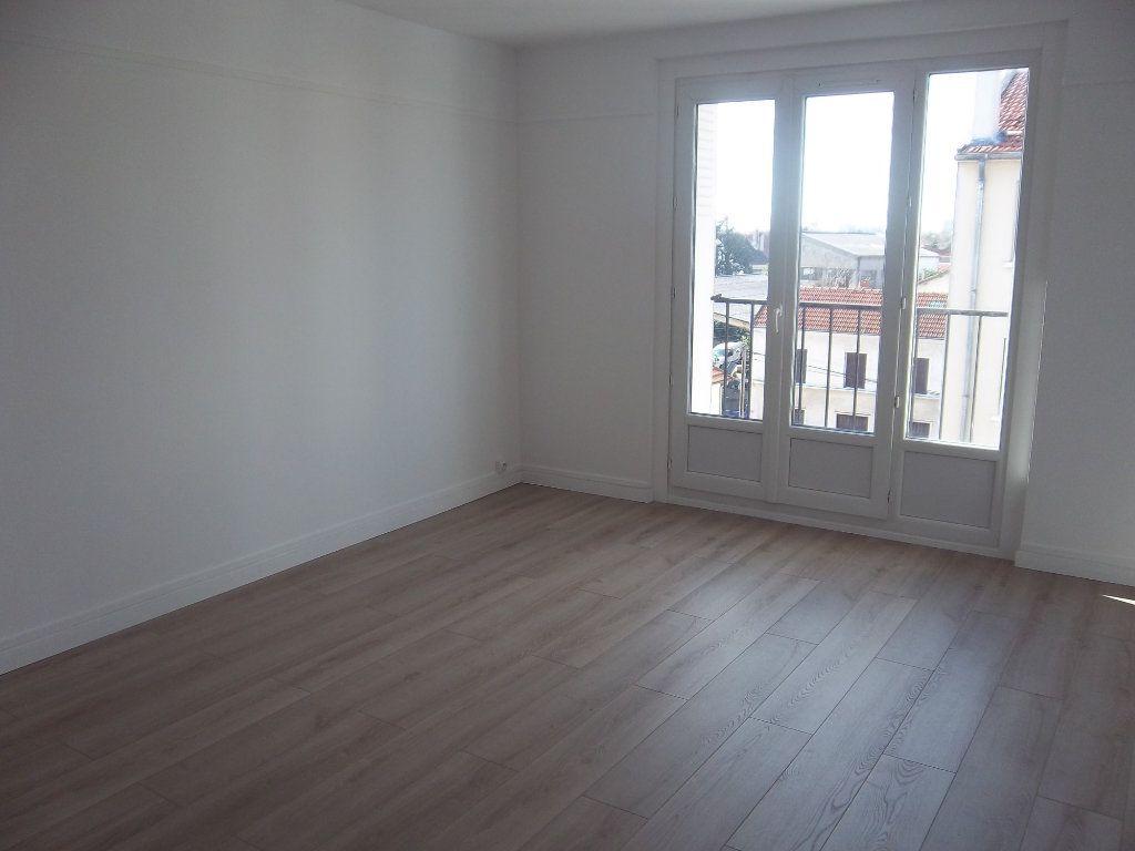 Appartement à louer 2 40m2 à Saint-Maur-des-Fossés vignette-1