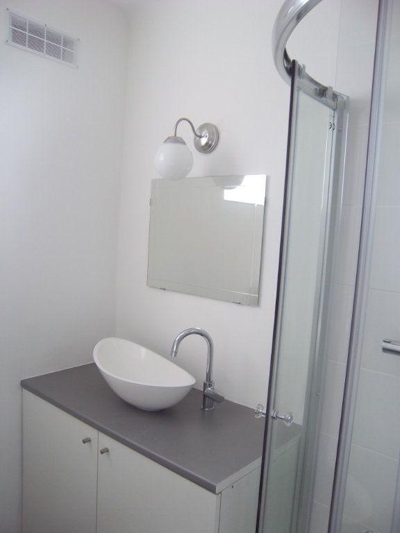 Appartement à louer 2 40m2 à Saint-Maur-des-Fossés vignette-3