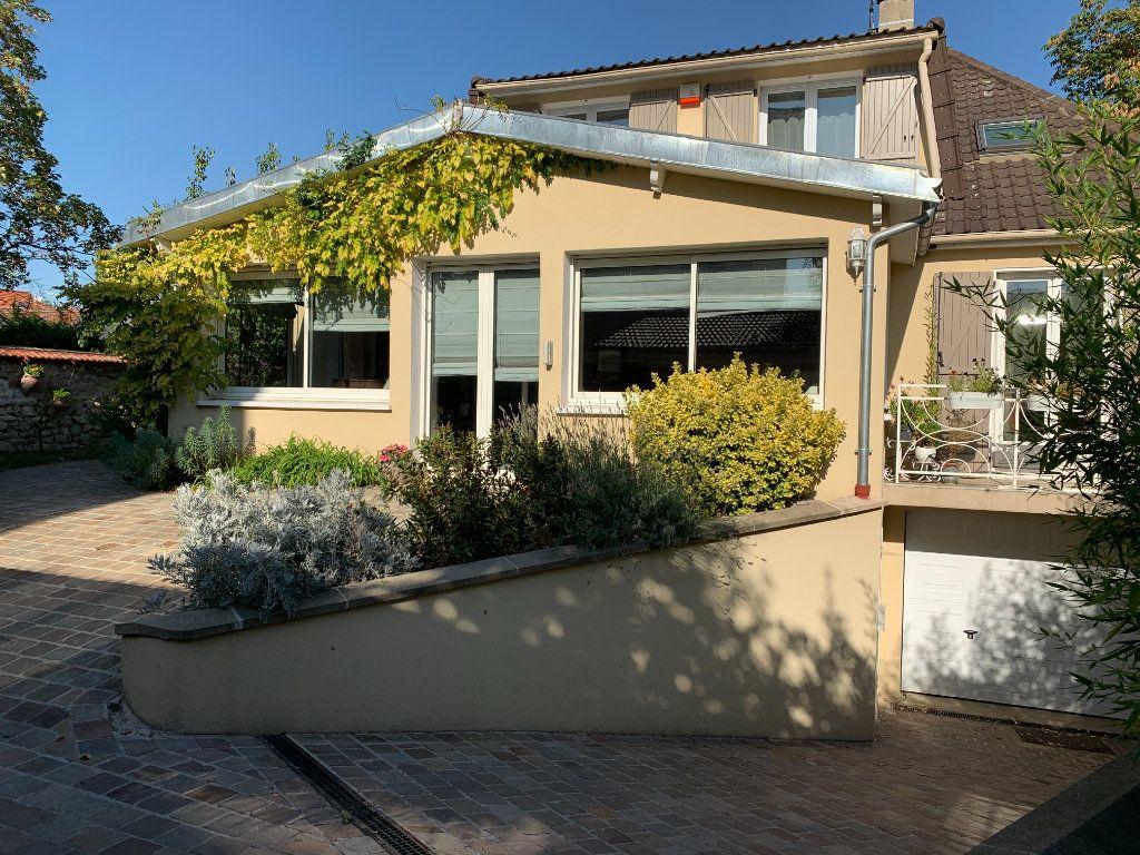 Maison à vendre 9 200m2 à Saint-Maur-des-Fossés vignette-1