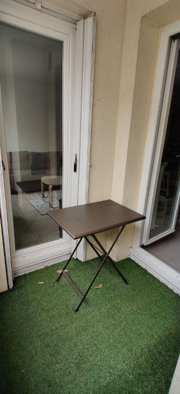 Appartement à louer 3 54.94m2 à Saint-Maur-des-Fossés vignette-3