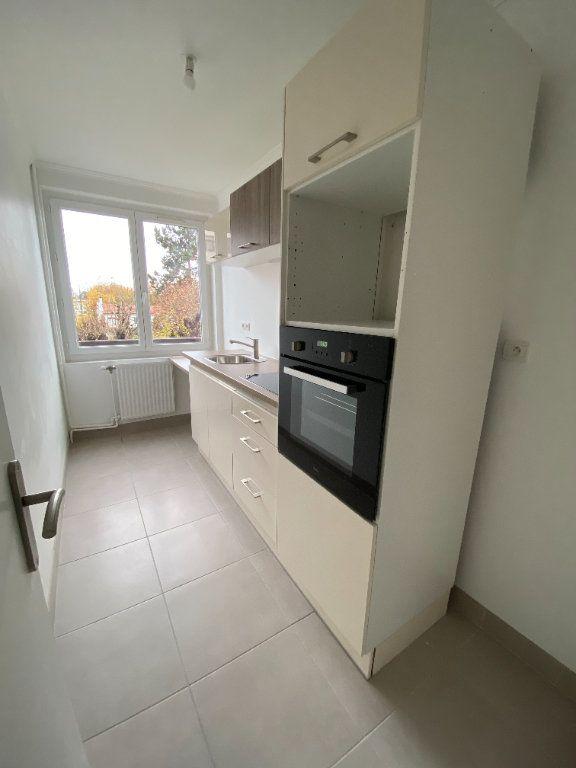 Appartement à louer 2 38m2 à Saint-Maur-des-Fossés vignette-2