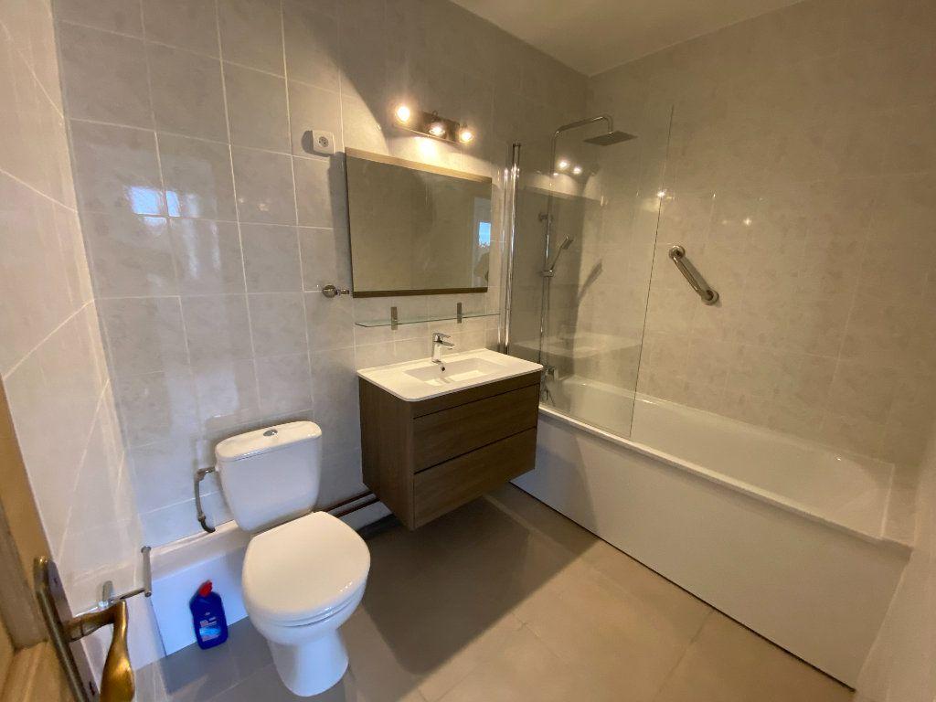 Appartement à louer 2 38m2 à Saint-Maur-des-Fossés vignette-3