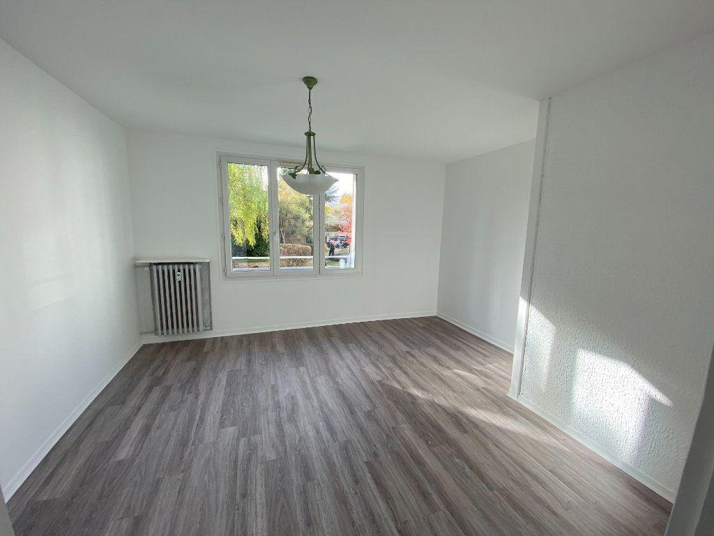 Appartement à louer 3 55.59m2 à Saint-Maur-des-Fossés vignette-2
