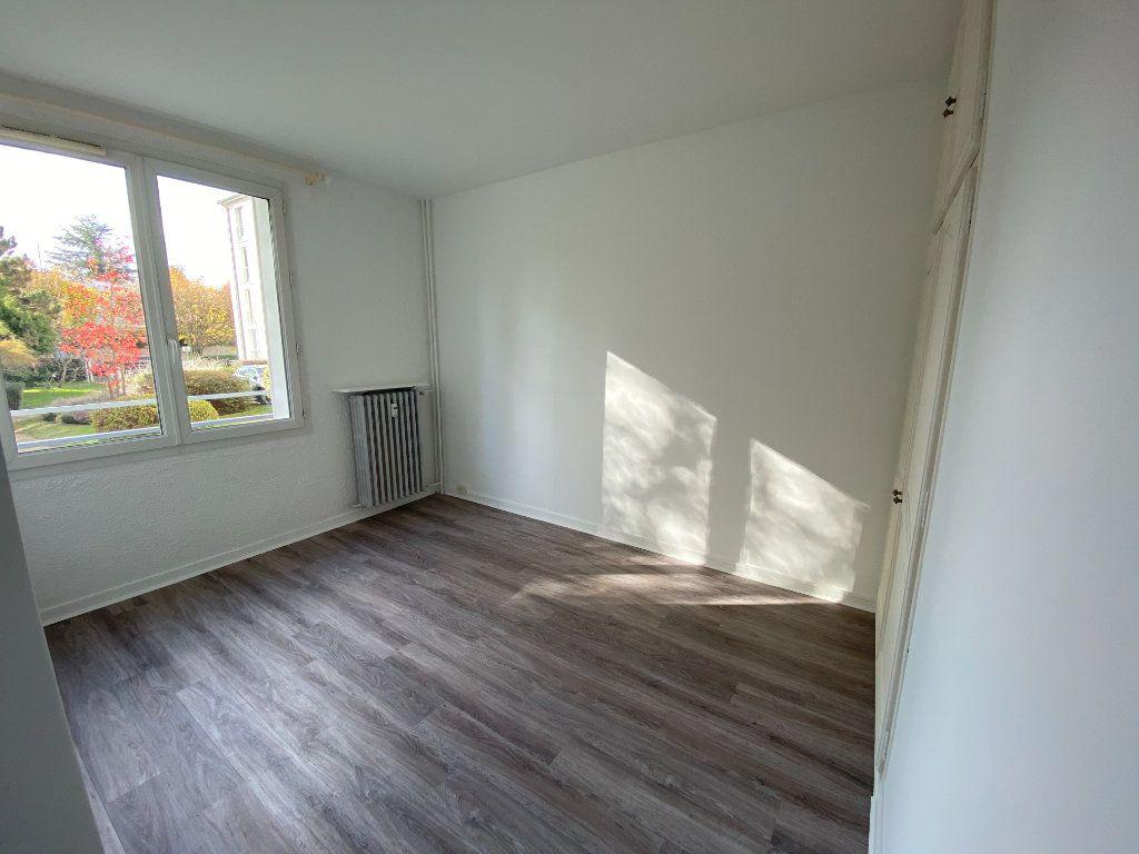 Appartement à louer 3 55.59m2 à Saint-Maur-des-Fossés vignette-5