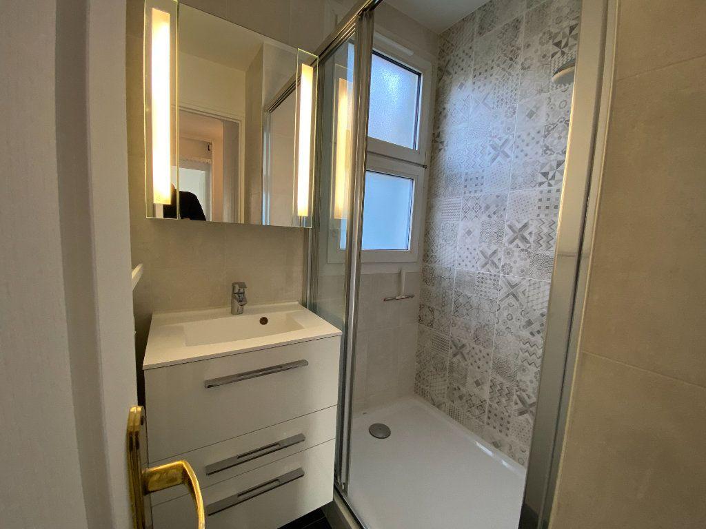 Appartement à louer 3 55.59m2 à Saint-Maur-des-Fossés vignette-6