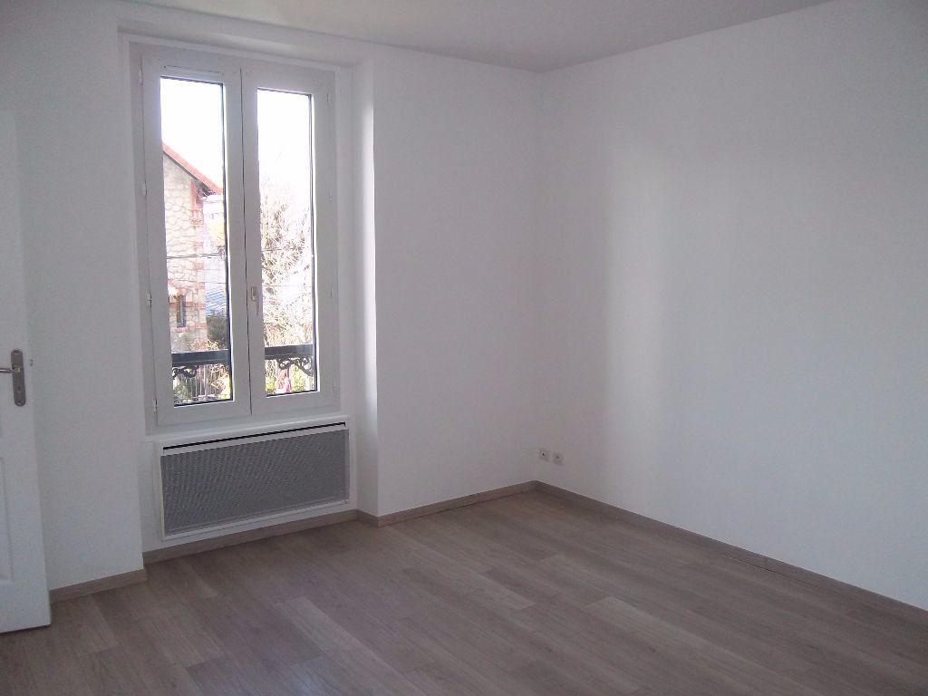 Appartement à louer 2 33.24m2 à Saint-Maur-des-Fossés vignette-1