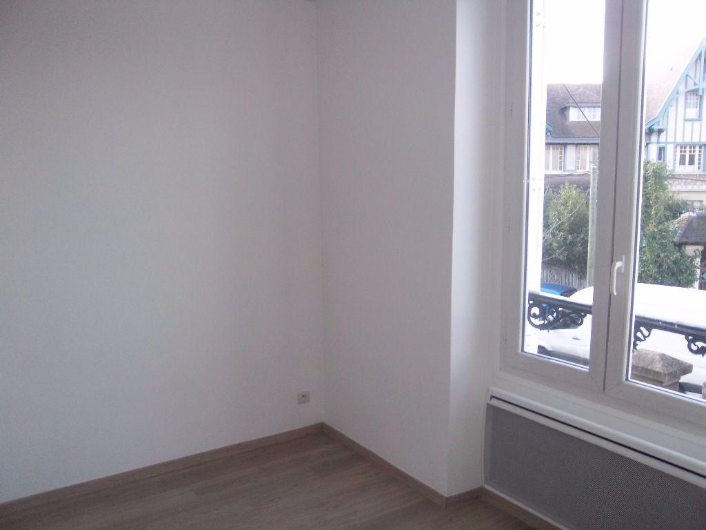 Appartement à louer 2 33.24m2 à Saint-Maur-des-Fossés vignette-3
