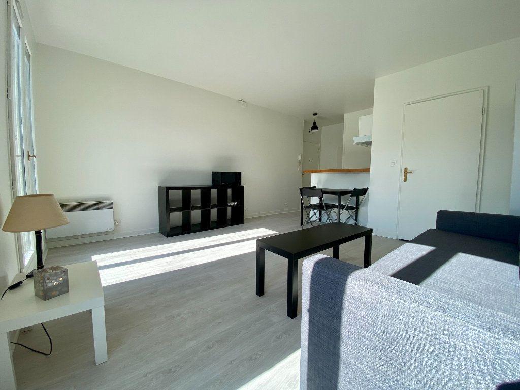 Appartement à louer 1 27.15m2 à Saint-Maurice vignette-1