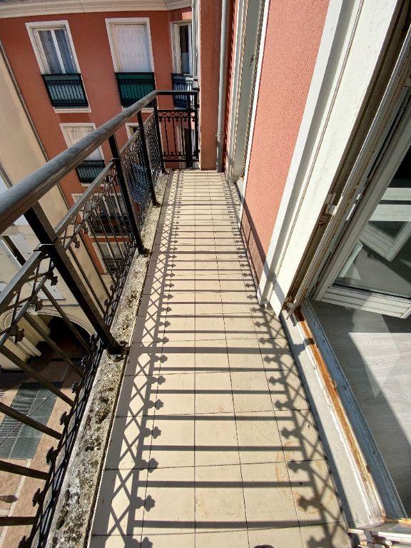 Appartement à louer 1 27.15m2 à Saint-Maurice vignette-2