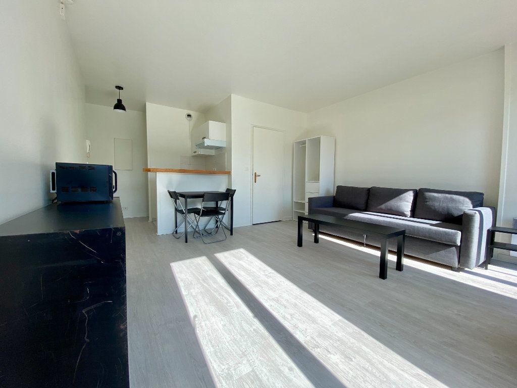 Appartement à louer 1 27.15m2 à Saint-Maurice vignette-4