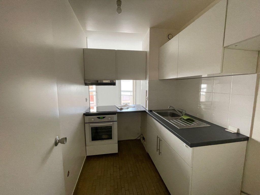Appartement à louer 2 42m2 à Courbevoie vignette-4