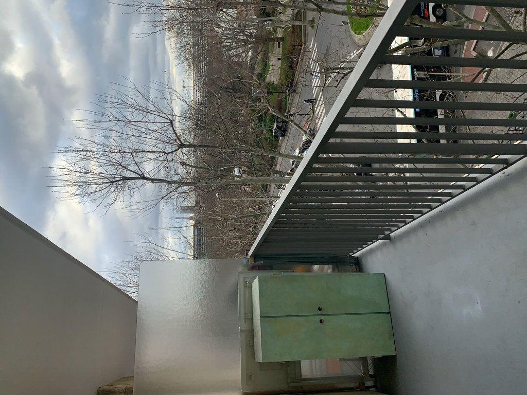 Appartement à louer 1 26.41m2 à Courbevoie vignette-2