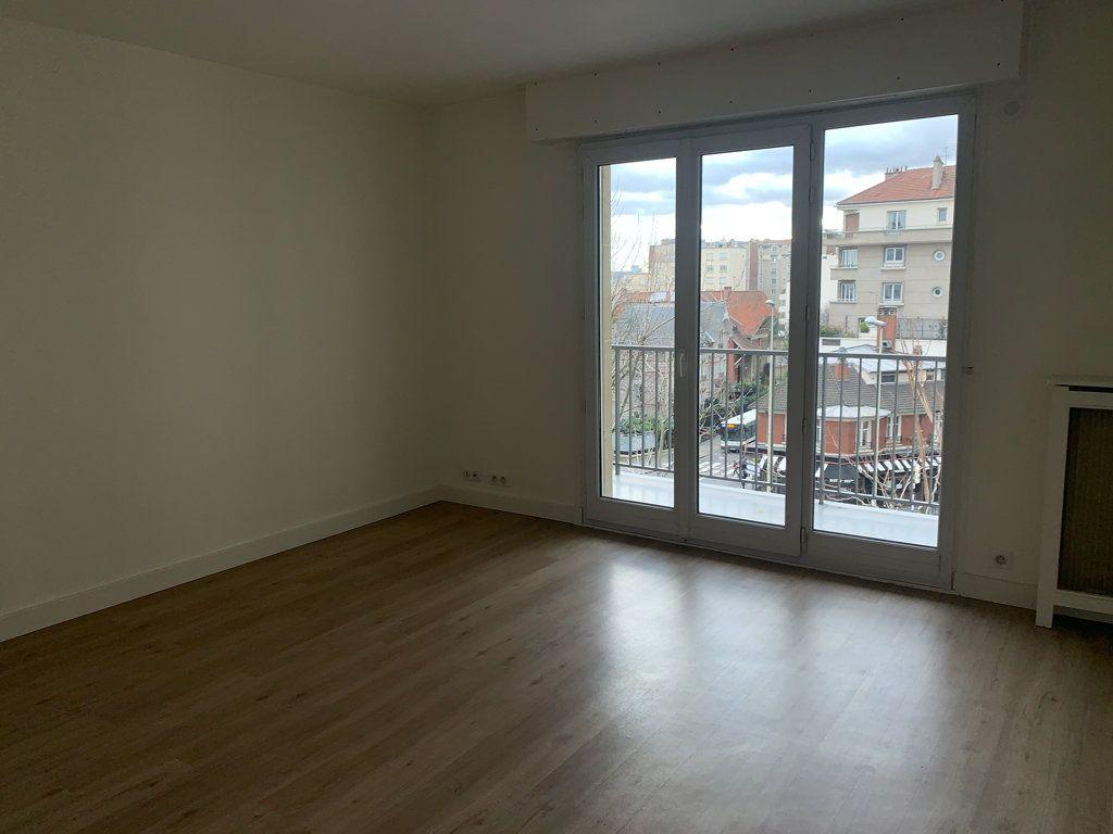 Appartement à louer 1 26.41m2 à Courbevoie vignette-3
